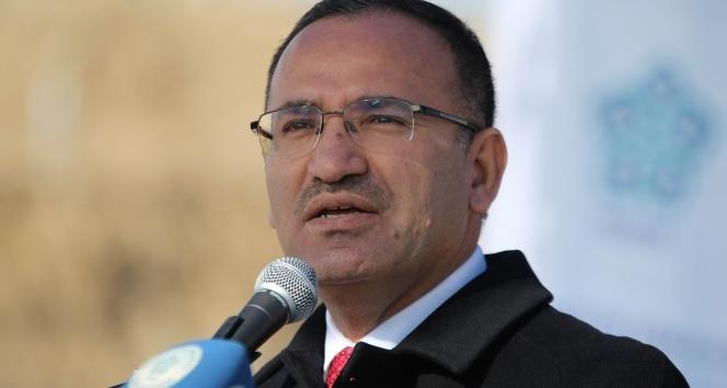 Bekir Bozdağ: Kandil'e karadan ve havadan operasyonlar devam edecek