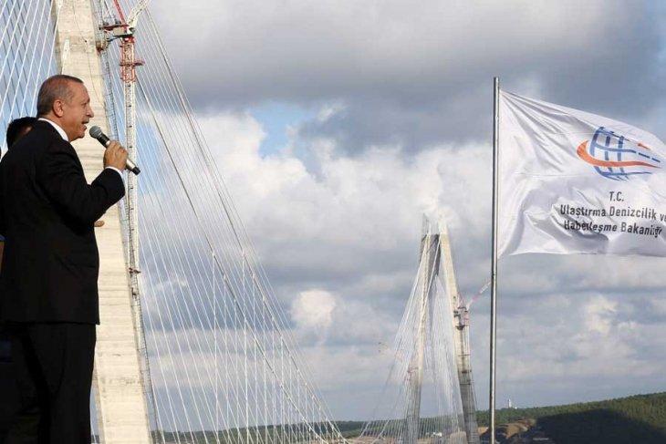 PUSULA | 1, 2, 3 ve daha fazlası..: Kapitalizmin köprüleri sorun çözmez, sorun yaratır