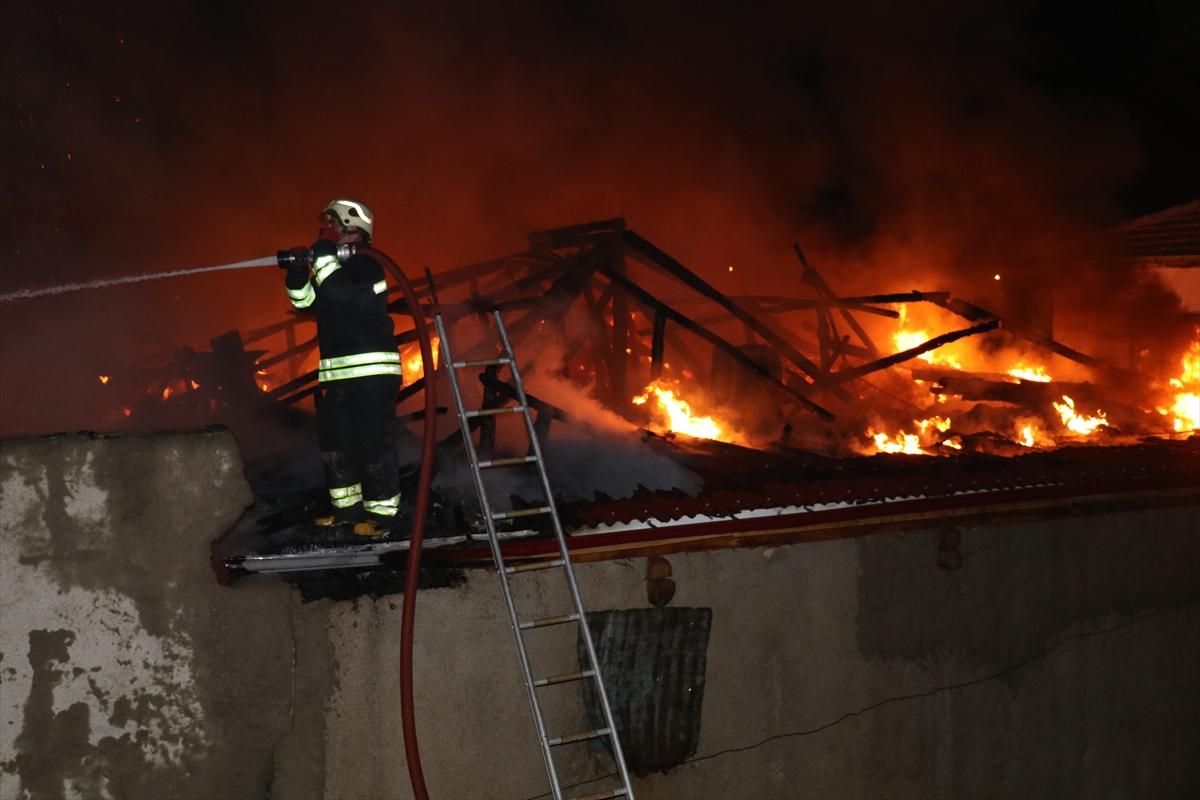Evlerinin yandığını görünce kalp krizi geçirdiler