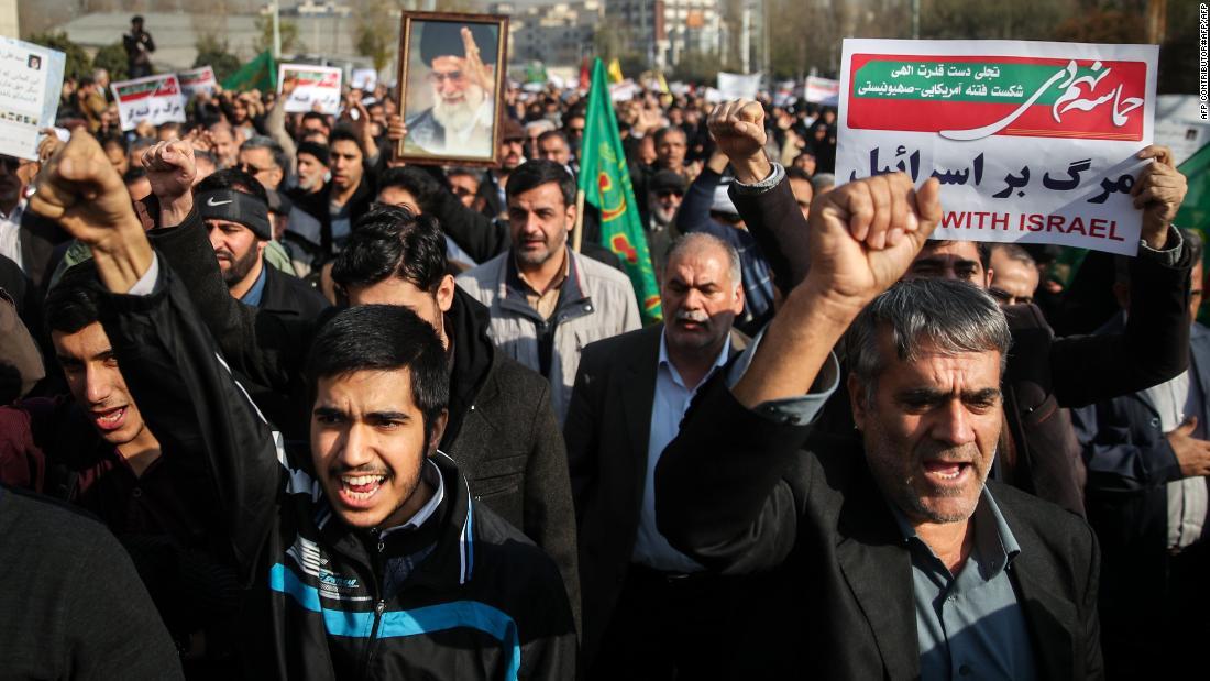 İran'da İslam Cumhuriyeti destekçileri sokağa indi