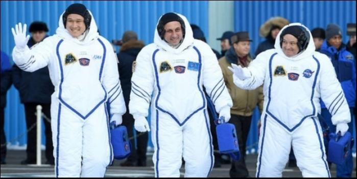 Uzaydaki astronotun boyu 9 santim uzadı
