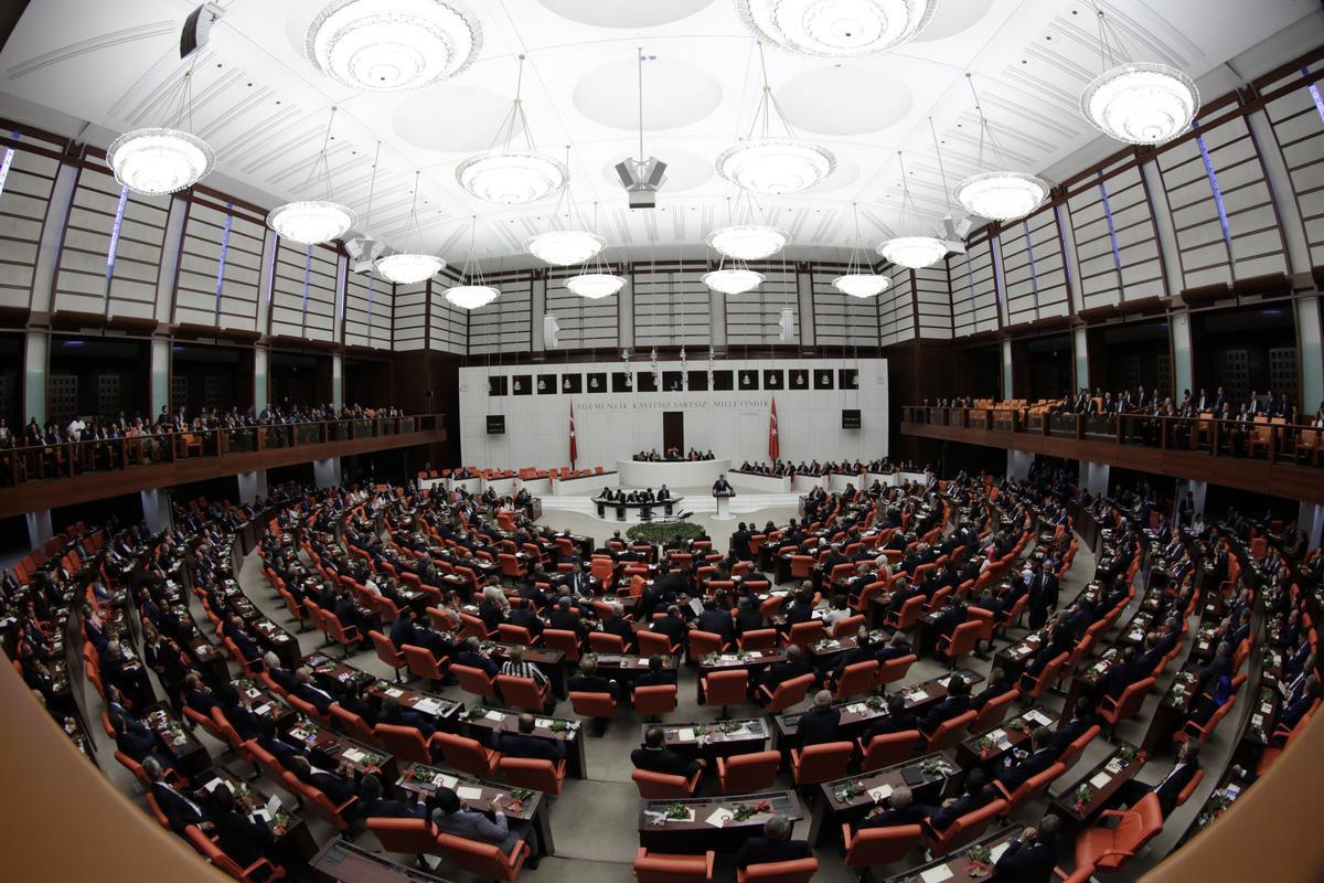 Meclis'teki CHP'li ve HDP'li vekillere 113 fezleke