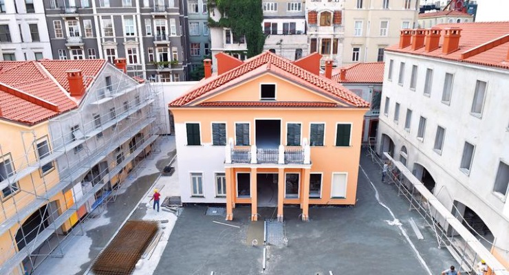 Beyoğlu'ndaki tartışmalı restorasyona AKP'den üstün hizmet ödülü