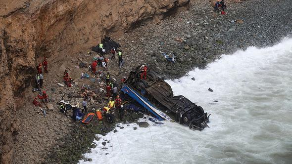 Otobüs uçuruma yuvarlandı: 36 ölü, 6 yaralı