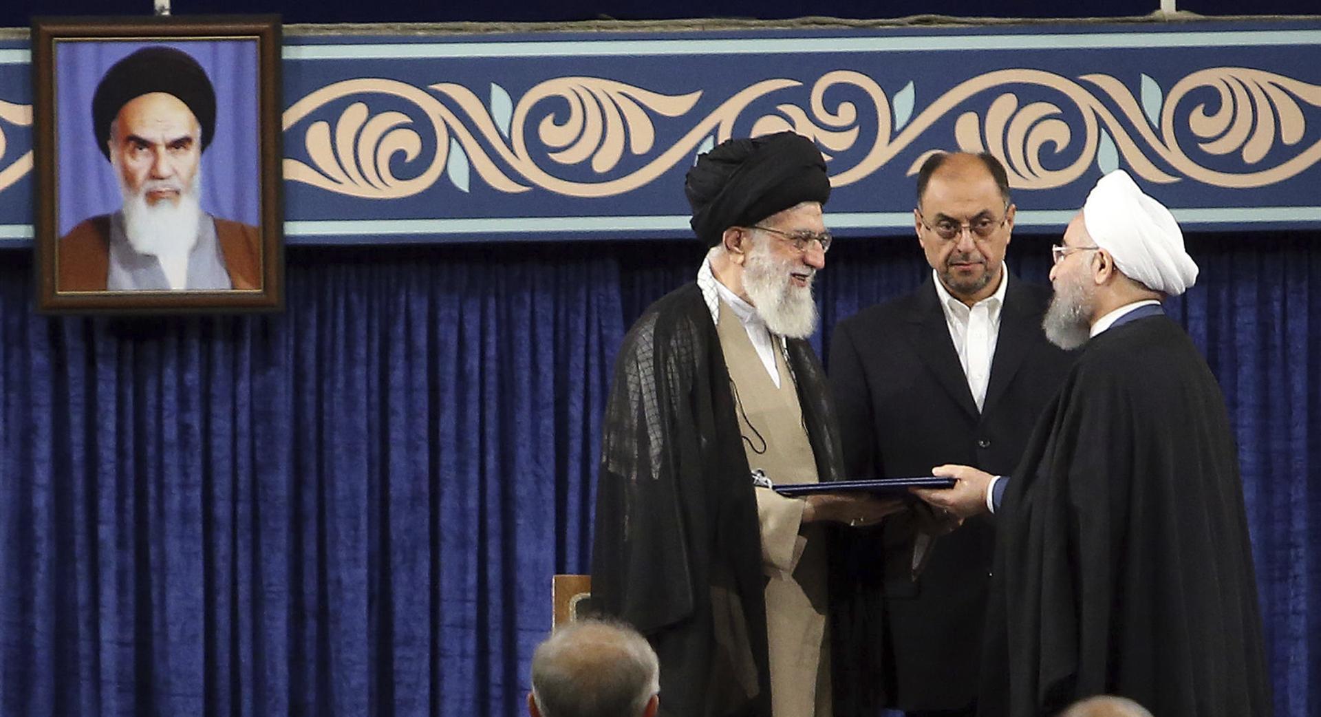 Emperyalizm, kapitalizm ve gericilik kıskacında İran