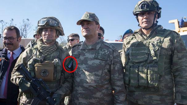 Afrin'de Türk komandosunun omzunda ÖSO arması!