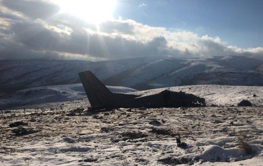 Isparta'da askeri uçak düştü