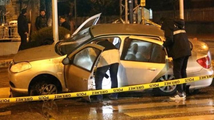 Polisin ateş ettiği araç kaza yaptı: Şöför ağır yaralı