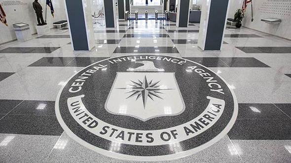 CIA eski direktörü: Komünistlerin iktidara gelmesini engellemek için seçimlere müdahale ettik