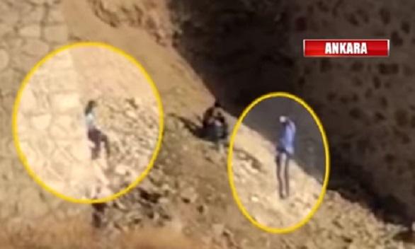 VİDEO | Dehşet görüntüler: Eli silahlı çocuklar kurşun yağdırıyor!
