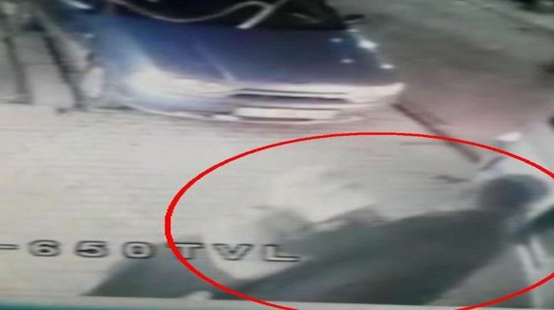 VİDEO | Yolda yürüyen genç kadın kaçırıldı!