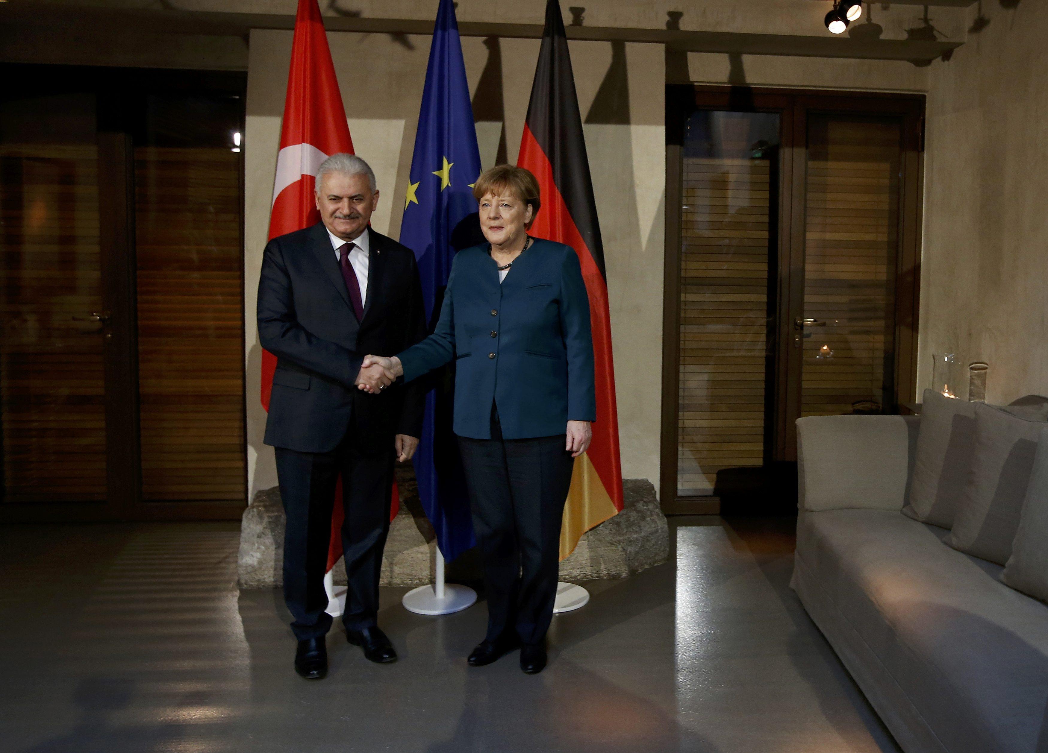 Binali Yıldırım'dan Almanya'ya: Geçmişi unutalım, yeni bir sayfa açalım