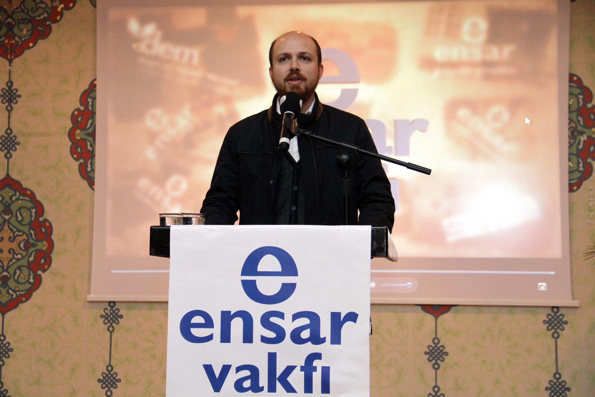 AKP'li Üsküdar Belediyesi, kamu binalarını Ensar Vakfı'na tahsis etti