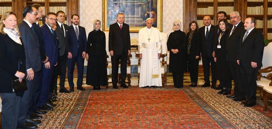 Milli Görüş'cüler Erdoğan-Papa görüşmesinde çekilen fotoğrafı sansürledi