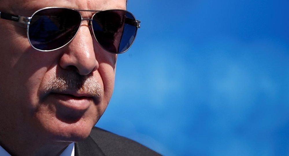 Televizyonlar yetmedi sıra mektupta: Erdoğan 23 milyon haneye mektup gönderecek