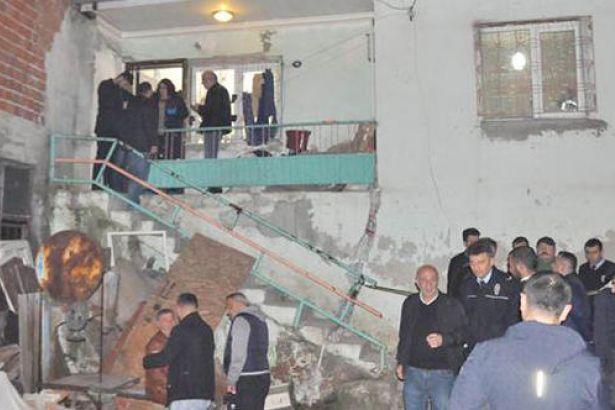 İzmir'de iki kişi vurulmuş halde ölü bulundu