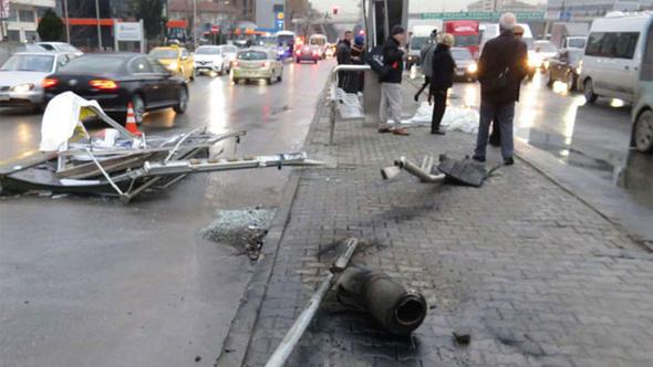 Kadıköy'de aynı yerde üst üste kazalar