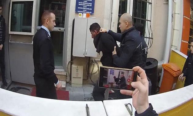Polisin burnunu kırdı