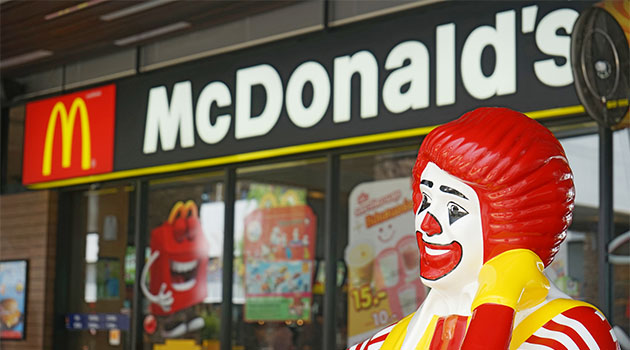 Kırılan kolu için McDonald's'a 500 bin rublelik dava açtı