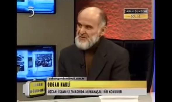 VİDEO | Gericiler organ naklini tartışırsa: Babanın penisi oğluna takılırsa ne olacak?
