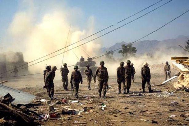 Pakistan'da canlı bomba saldırısı: 11 asker hayatını kaybetti