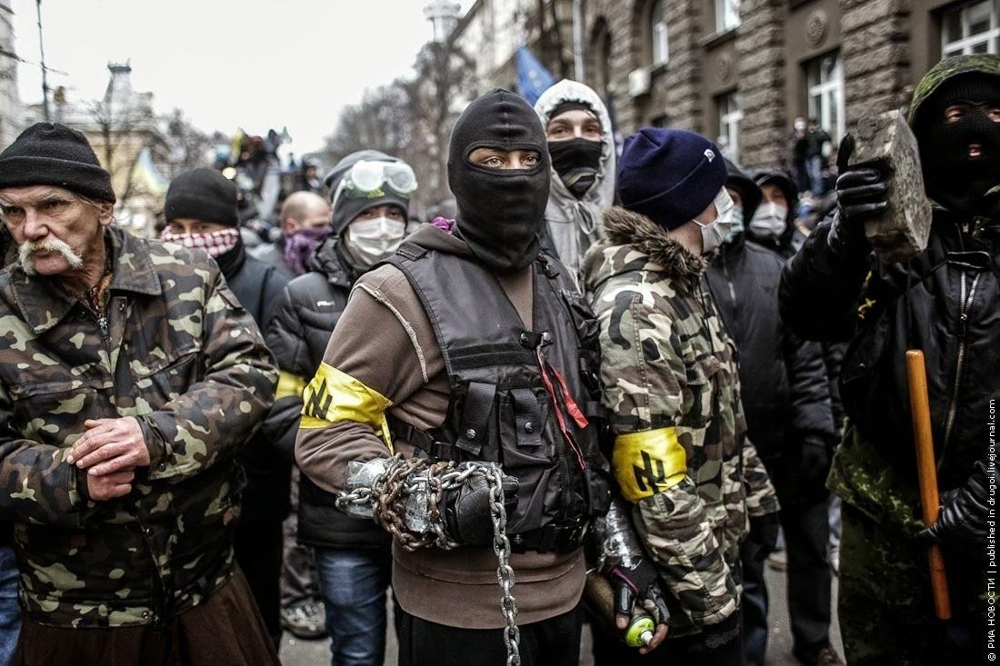 PUSULA |  Emperyalizmin kitlelerle ilişkisi