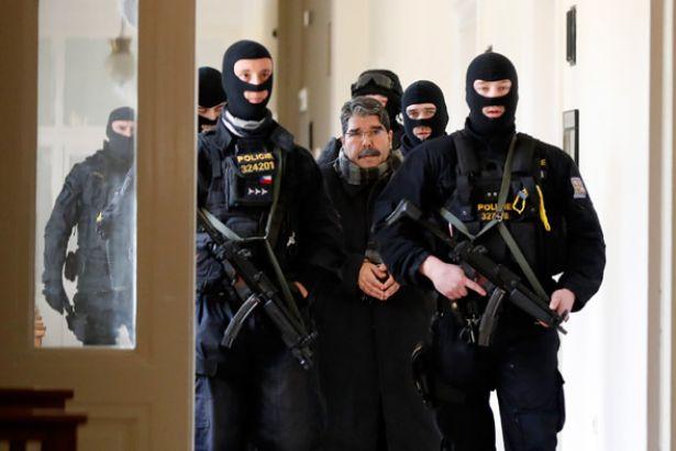 Türkiye'nin Çekya'dan iadesini istediği Salih Müslim, Almanya'da mitinge katıldı