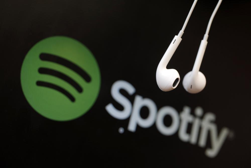 Sıradan bir kullanıcı, Spotify'daki açığı kullanarak milyoner oldu!