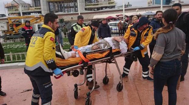 VİDEO | Taksim'de bir kişi kendini yaktı!