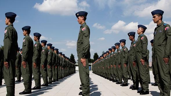 Hava Kuvvetleri'ndeki subaylara 'sadakat mülakatı'