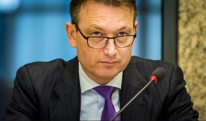 Hollanda Dışişleri Bakanı yalan söylediği ortaya çıkınca istifa etti
