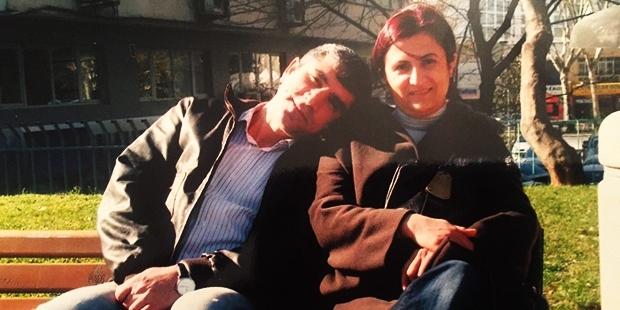 Tahir Elçi'nin eşi: Meçhulden gül bekleyen tüm kadınların günü kutlu olsun