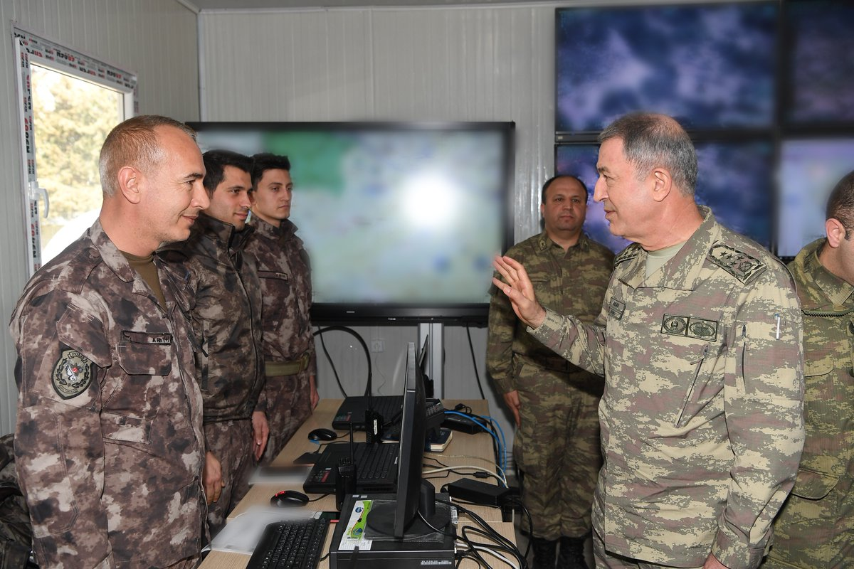 Akar'dan açıklama: Askerimiz ÖSO ile omuz omuza mücadeleye devam edecek