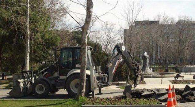 Gezi Parkı'na iş makineleri girdi