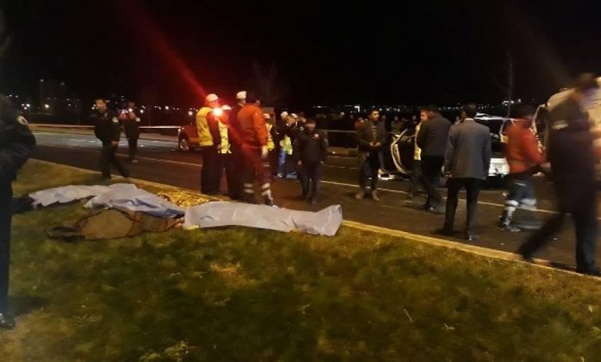 Ambulans ile otomobil çarpıştı: 6 ölü var