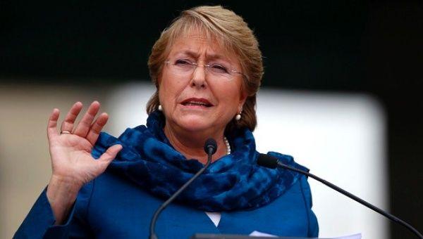 Şili Devlet Başkanı faşist Pinochet döneminden kalan anayasayı değiştirmek için girişimde bulundu