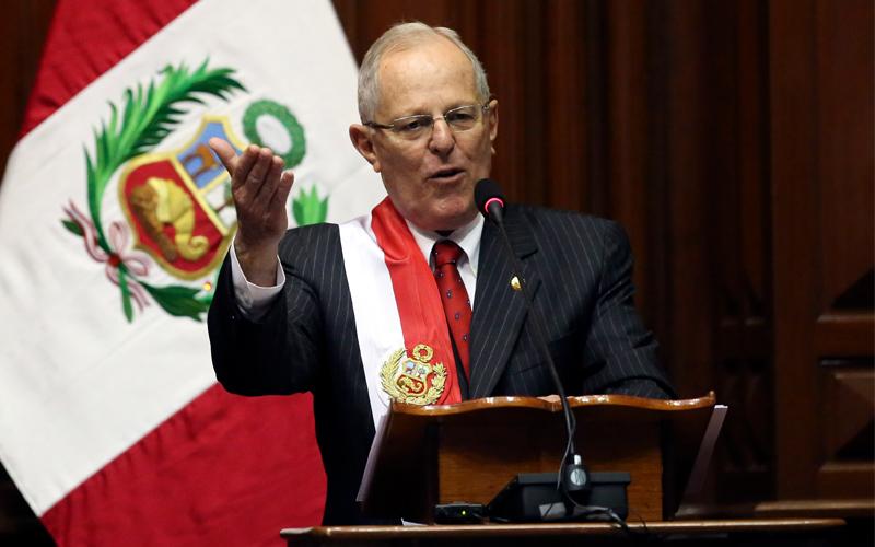 Peru'da siyasi krizi derinleşiyor