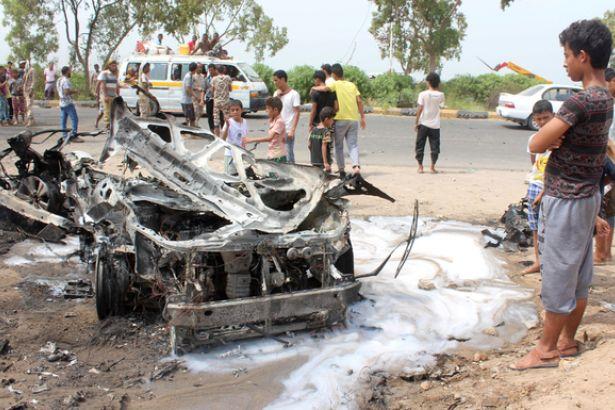 Aden'de bombalı araç saldırısı: 4 ölü