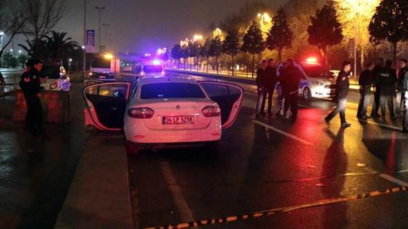 İstanbul'da polis 'dur' ihtarına uymayan araca ateş açtı: 1'i polis 2 yaralı