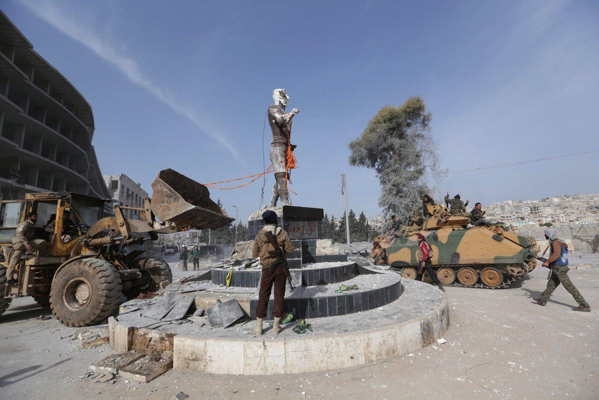 ÖSO'nun Afrin'de heykelini yıktığı Demirci Kawa kimdir?