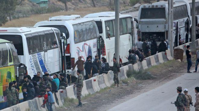 Suriye ordusu: Tahliye edilenler arasında 36 canlı bomba yakalandı
