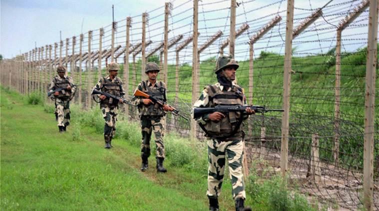 Hindistan ordusu Pakistan'a ateş açtı: 2 asker hayatını kaybetti