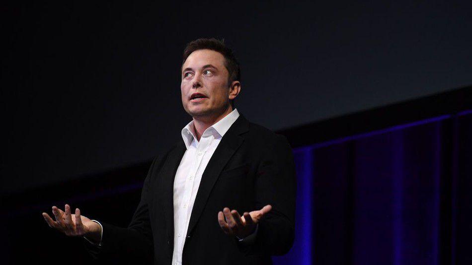 Elon Musk'ın iğrenç paylaşmının ardından Tesla hisseleri düşüşte