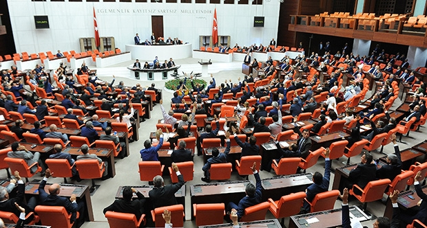 'Kayıp 106 bin silahın araştırılması' önergesi AKP oylarıyla reddedildi!