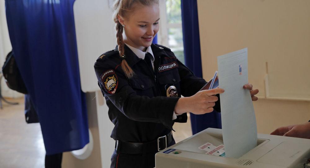 Rusya sandık başında: Putin'in oyları yüzde 70'in üzerinde