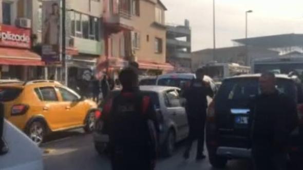 İstanbul'da cenazede silahlı kavga: Yaralılar var