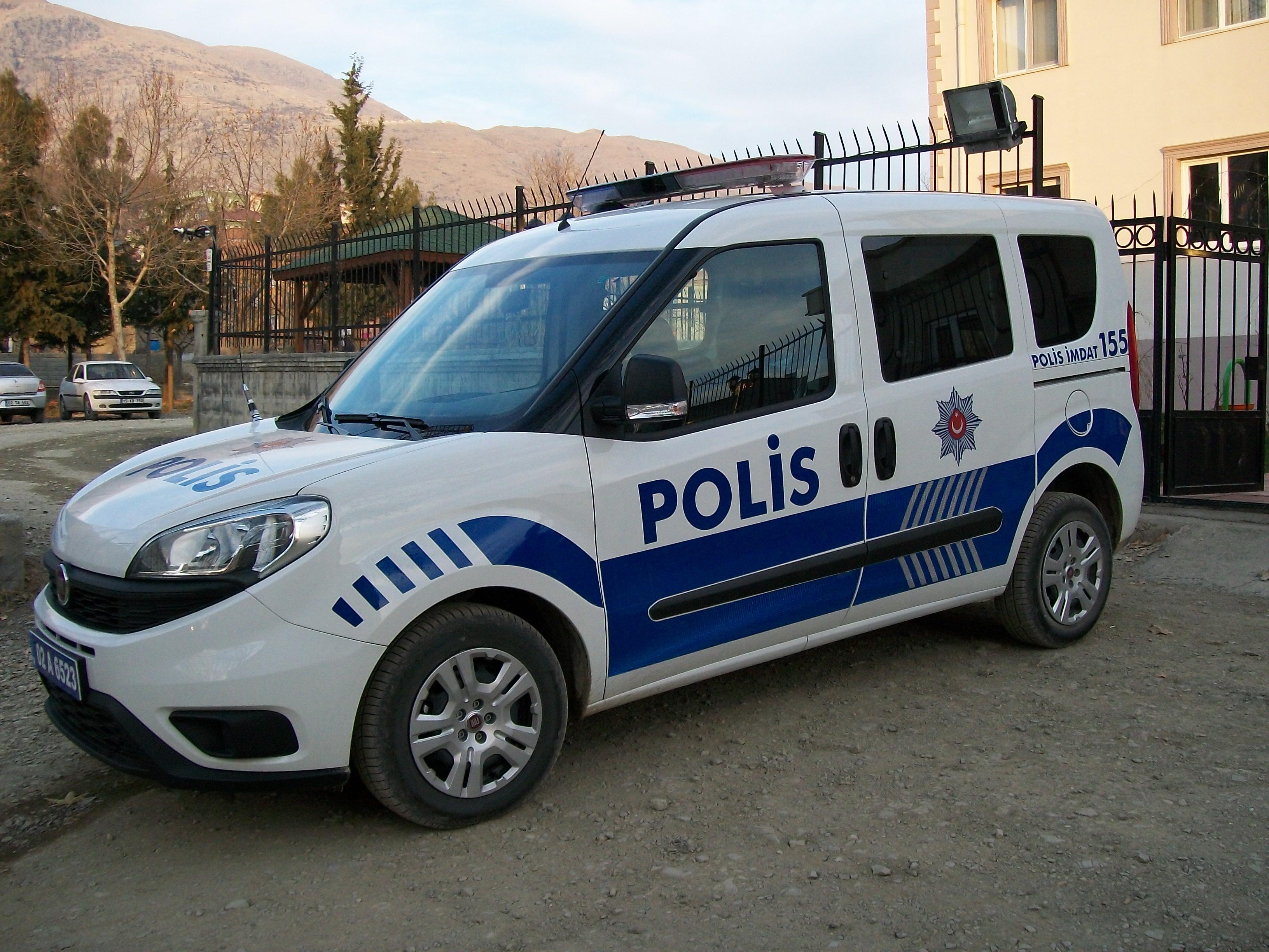 Yeni Türkiye'den manzara: Polis otosunda fuhuş