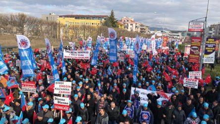 Bursa'da metal işçileri ayakta