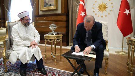 Diyanet Başkanı Erbaş'ın lise mezunu kardeşine üniversite ataması iddiası