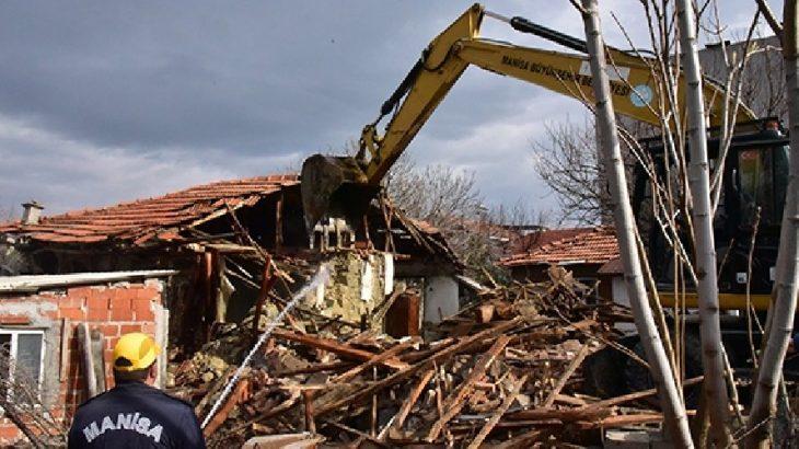 Akhisar ve Kırkağaç'ta deprem nedeniyle yarıyıl tatili uzatıldı
